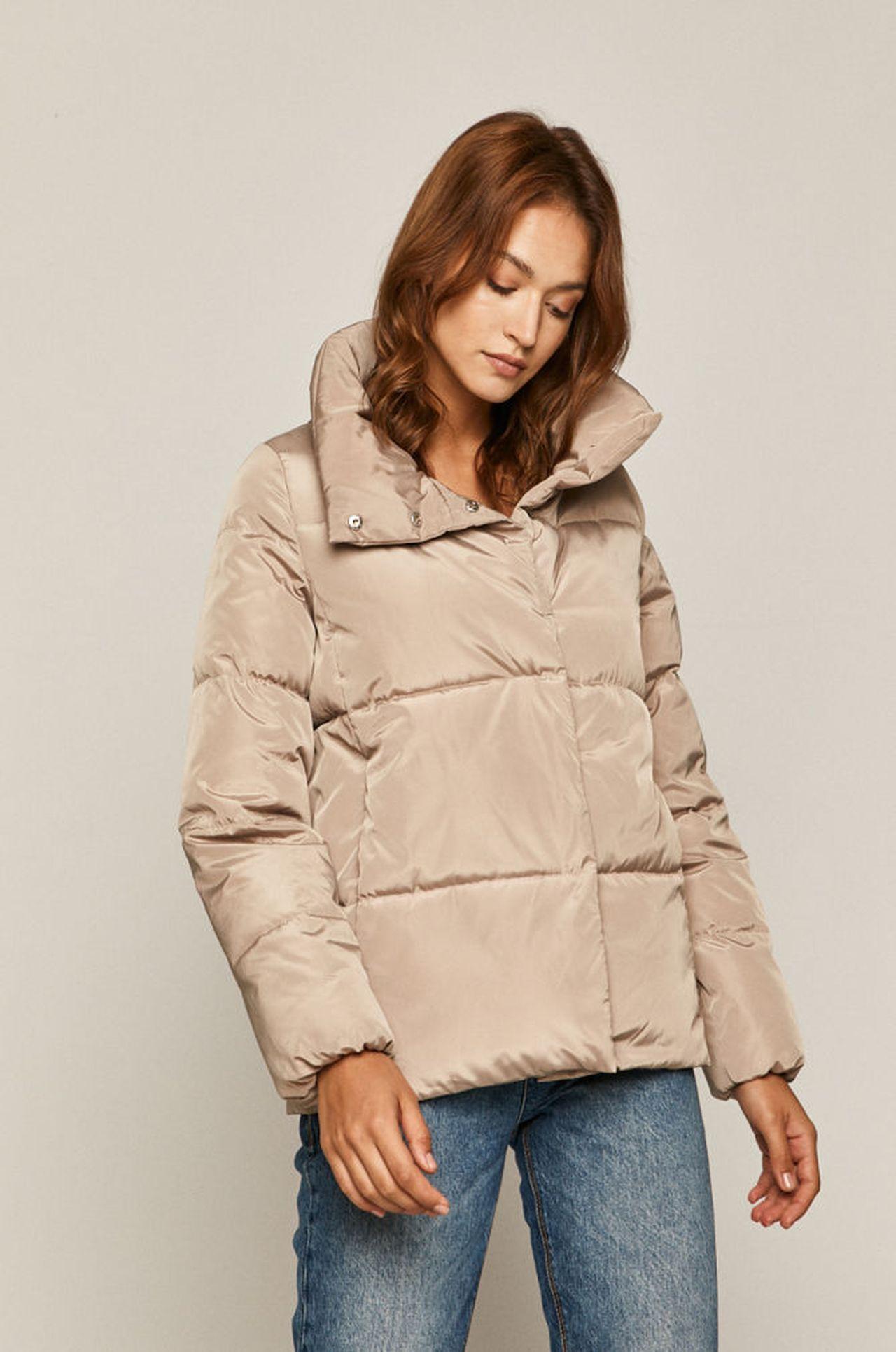 Beżowa kurtka na zimę