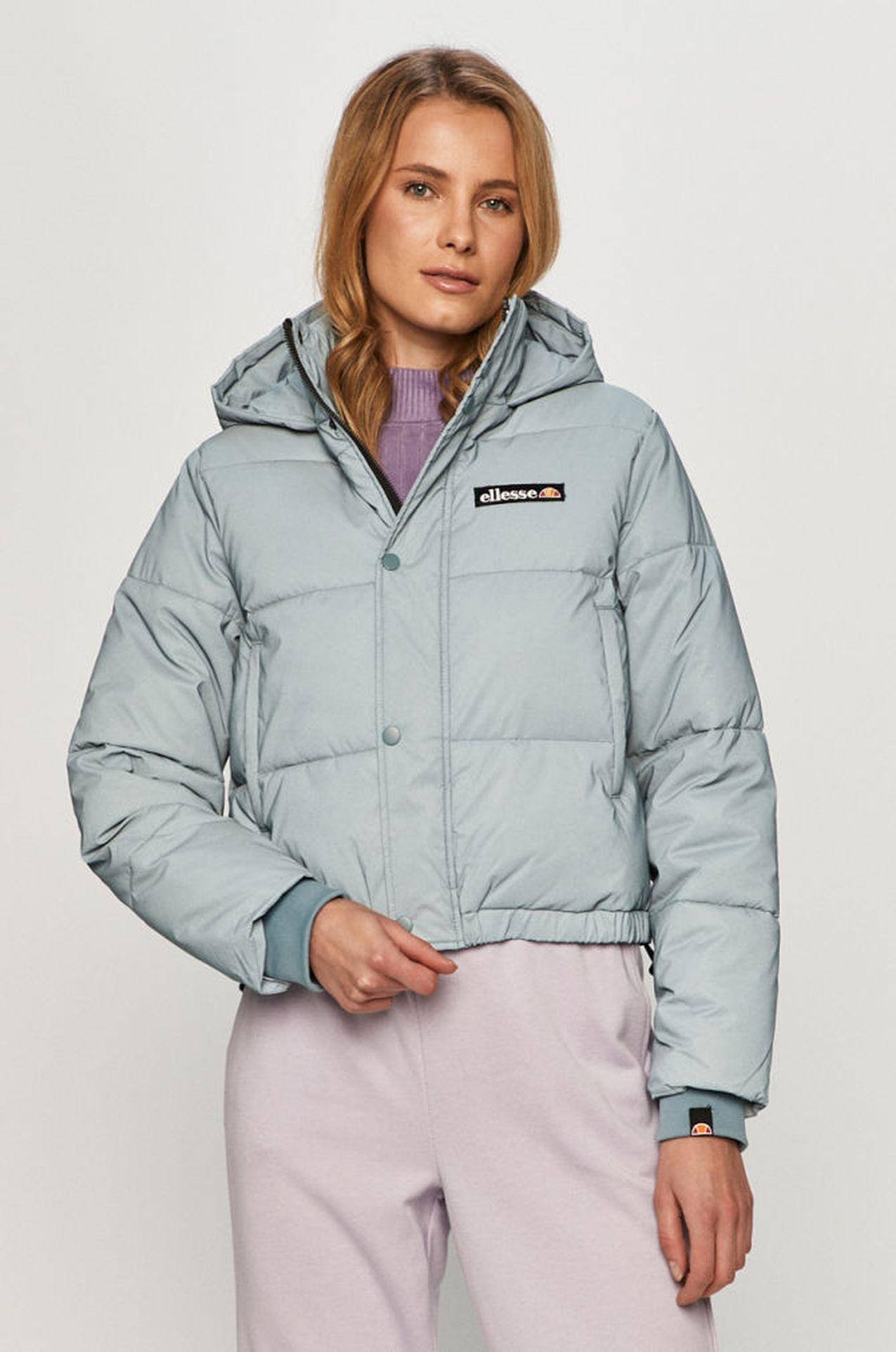 Niebieska kurtka na zimę