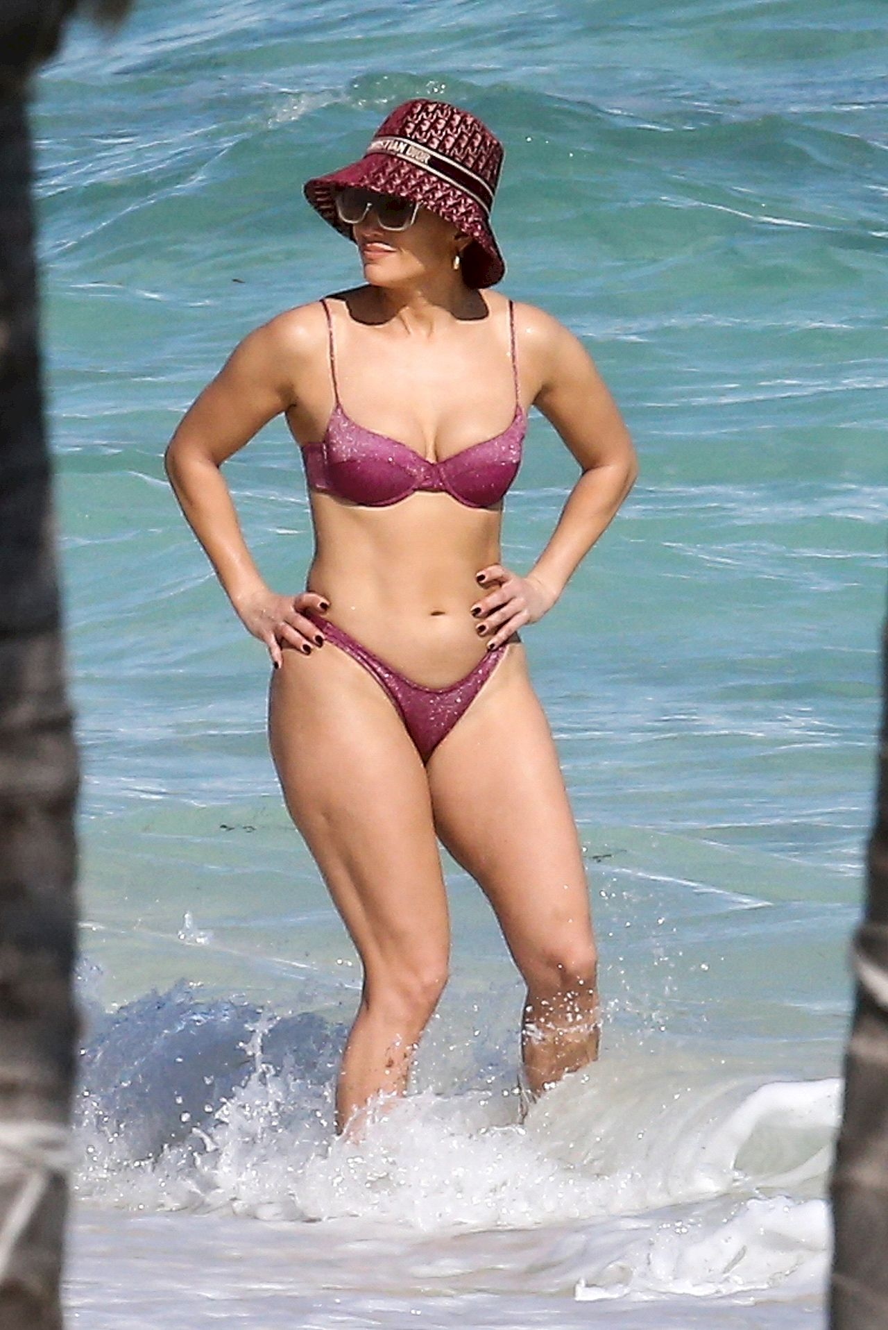 Jennifer Lopez w bikini na wakacjach