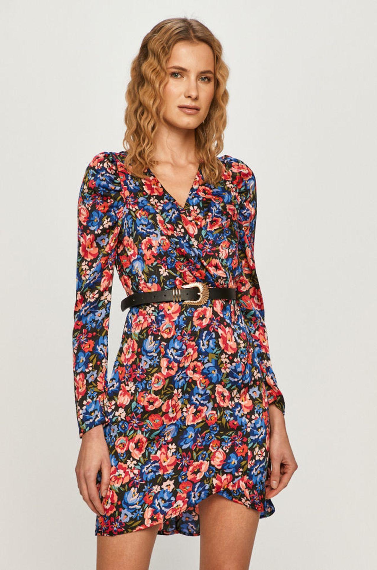 Wzorzysta sukienka z bufkami