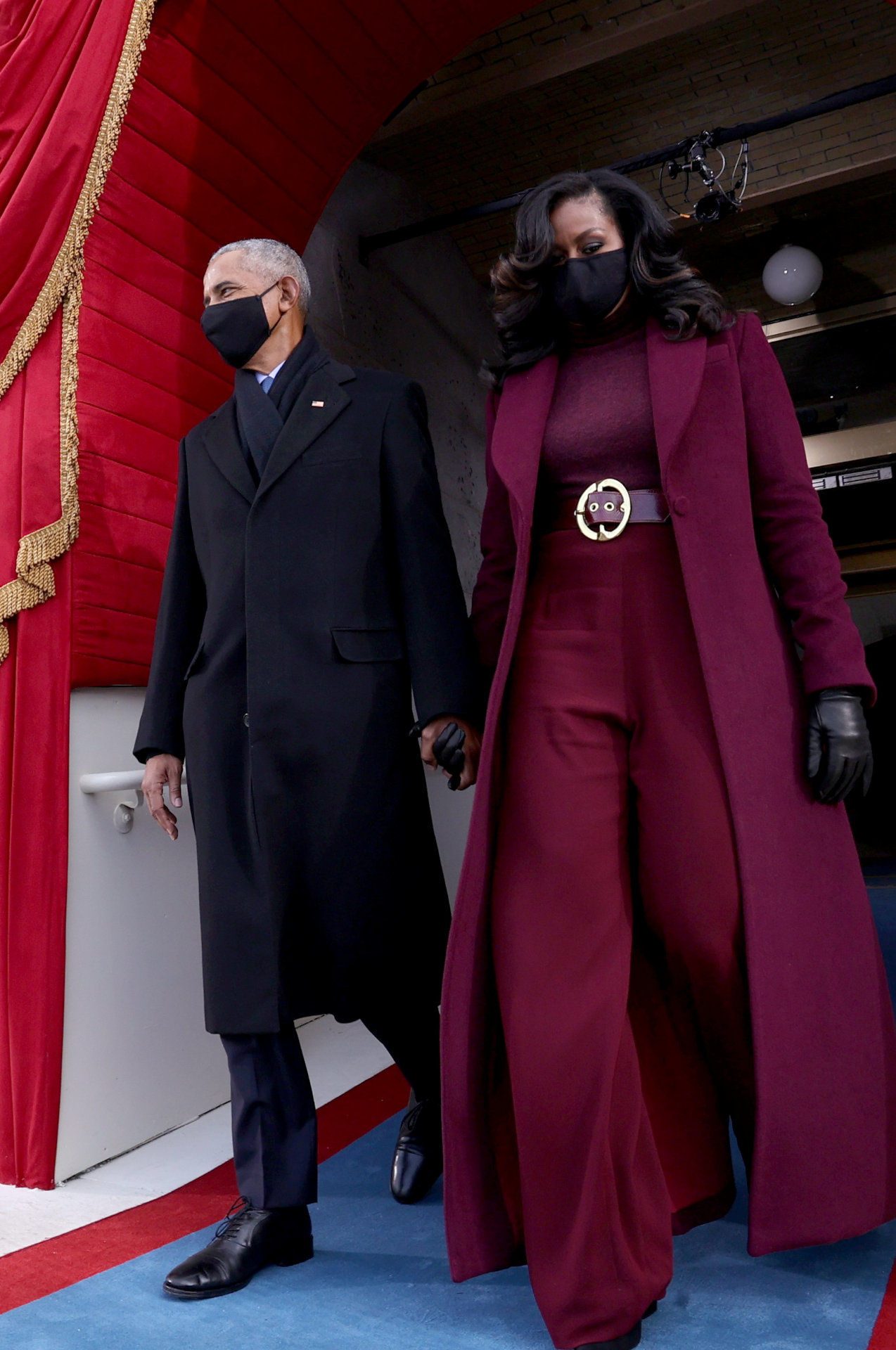 Michelle Obama w śliwkowej stylizacji, fot. Forum