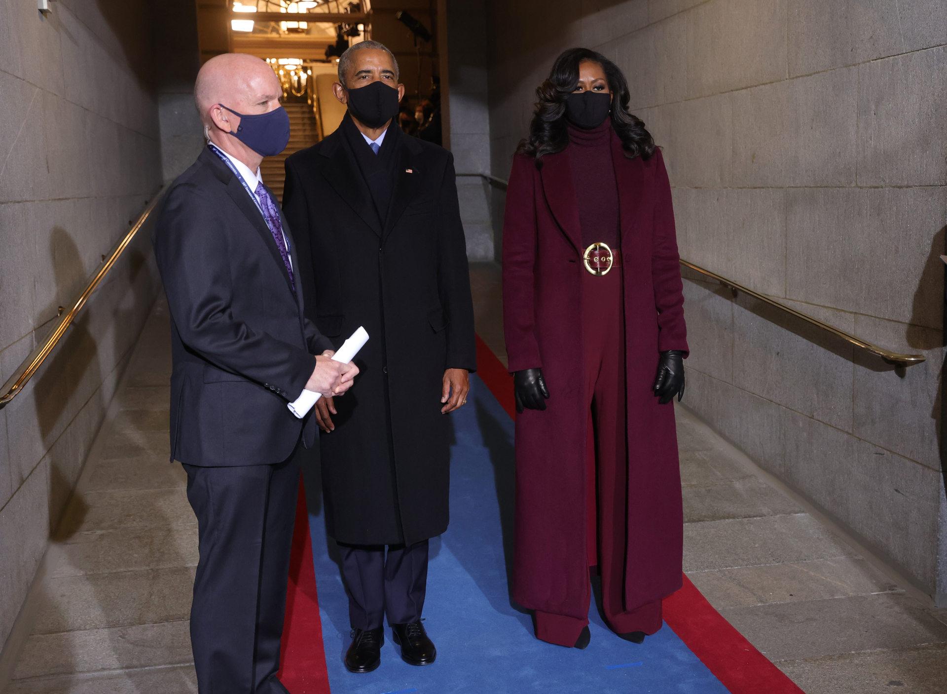 Michelle Obama w śliwkowej stylizacji