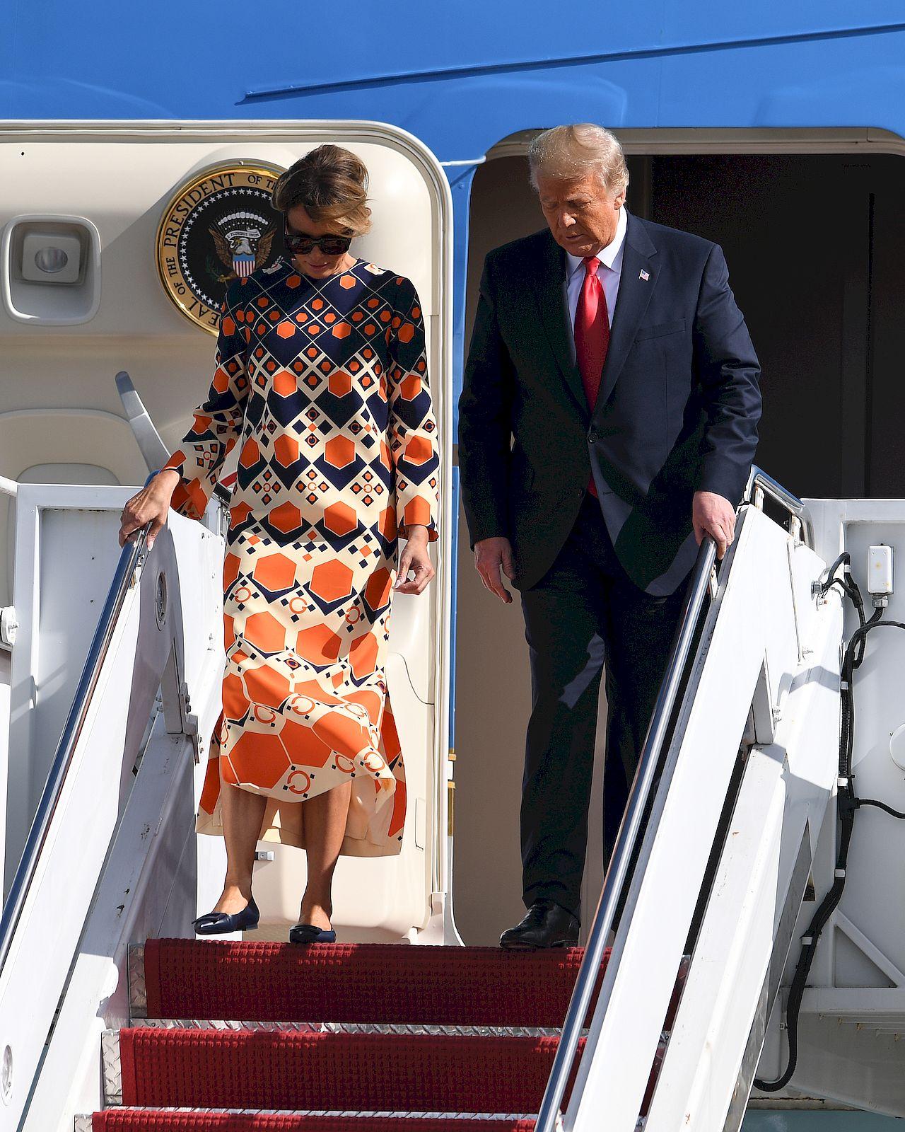 Donald i Melania Trump na lotnisku