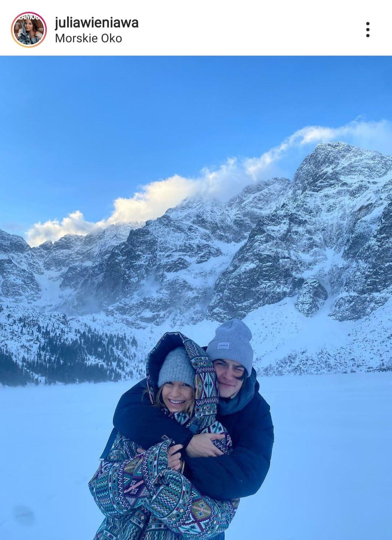 Nikodem Rozbicki i Julia Wieniawa w górach.