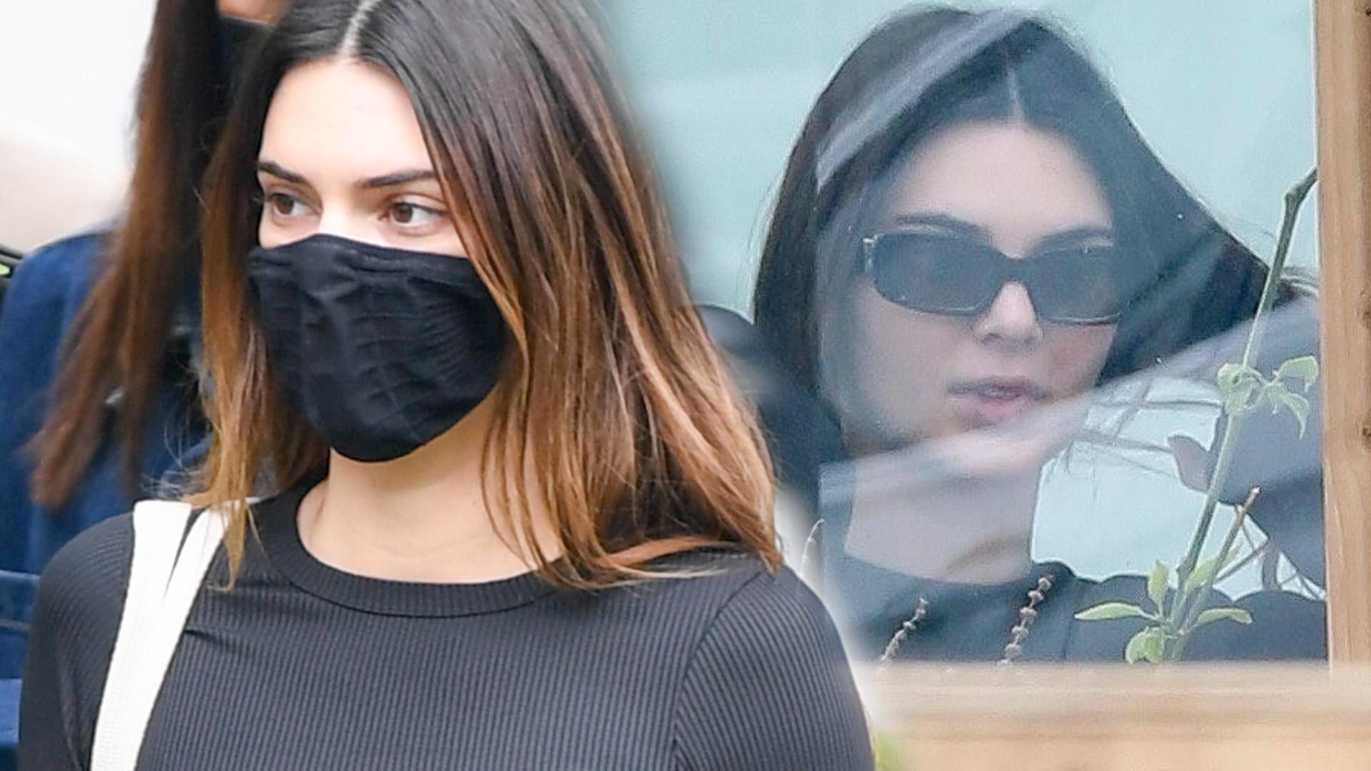 OMG! Kendall Jenner jak polski turysta! Ten szczegół wygląda wyjątkowo SWOJSKO