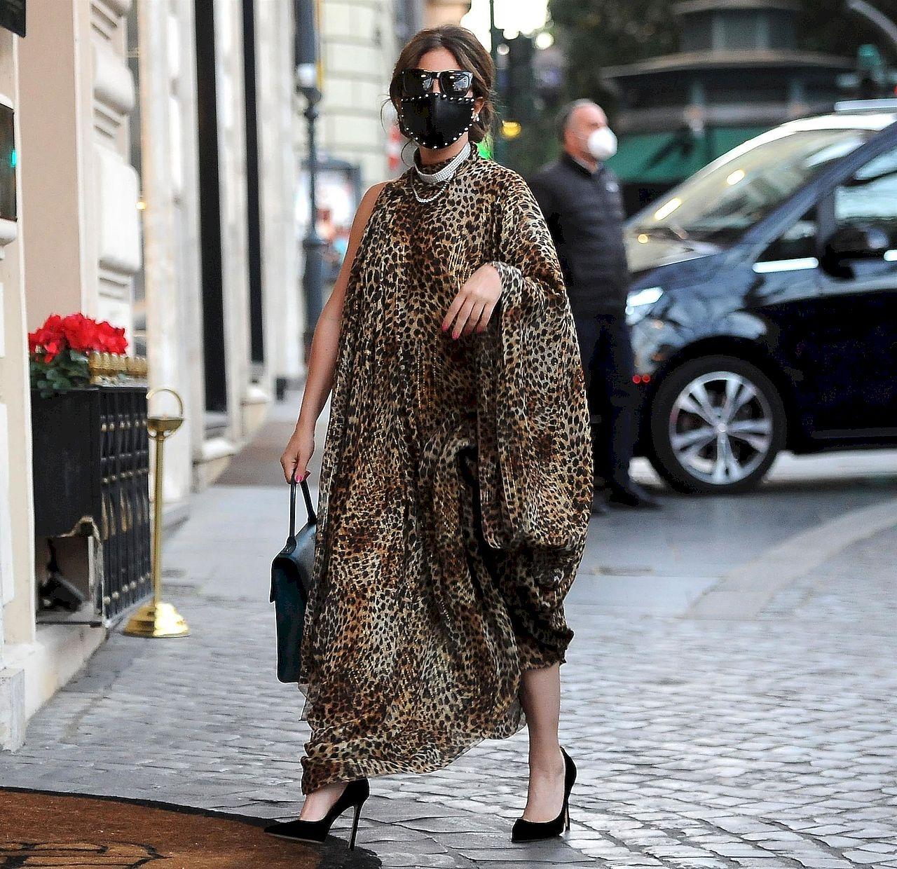 Lady Gaga w sukience w panterkę