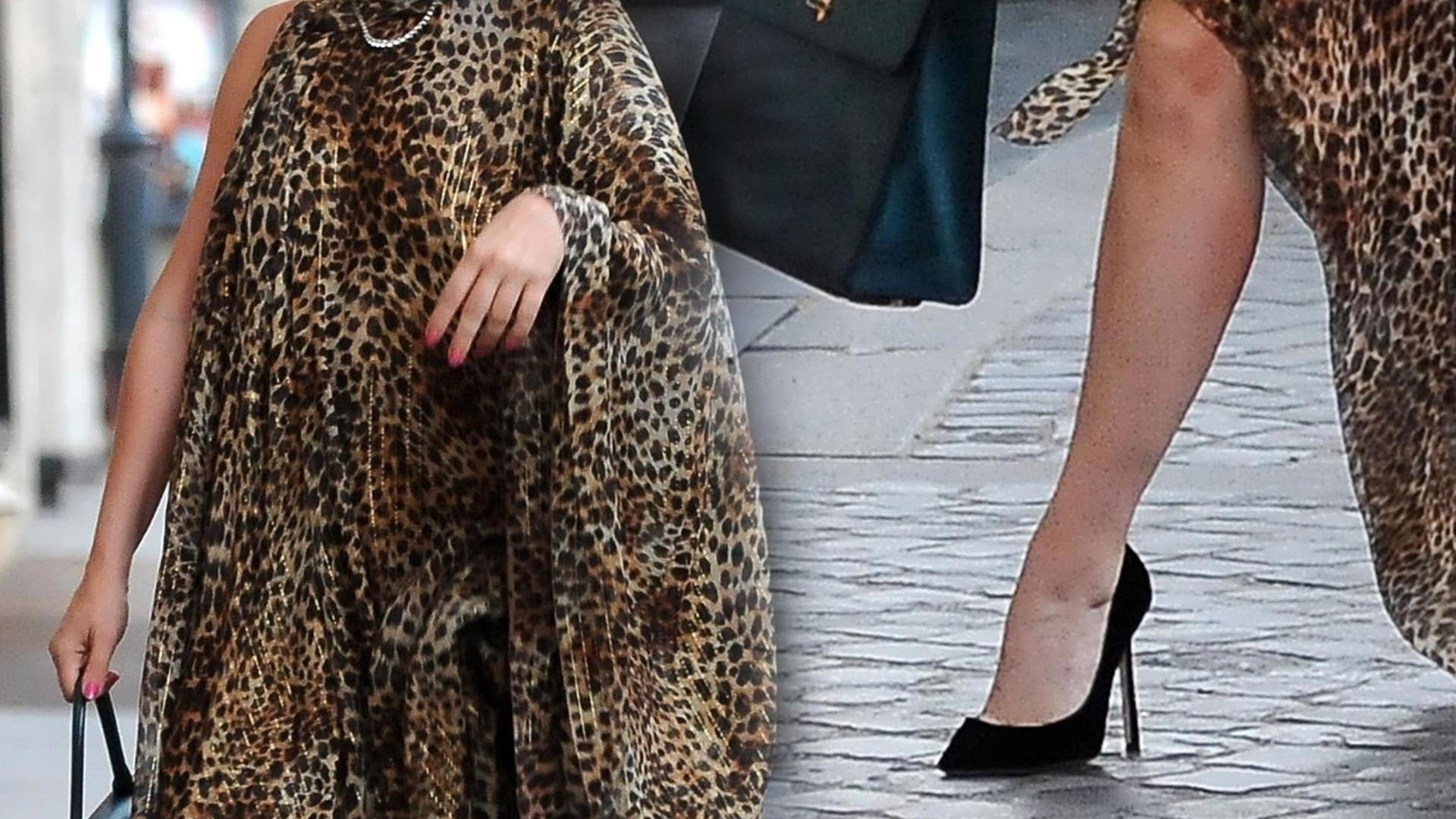 Nosiła najbardziej kontrowersyjne stroje w Hollywood. Teraz pokazała się w szpilkach i sukience w panterkę (ZDJĘCIA)