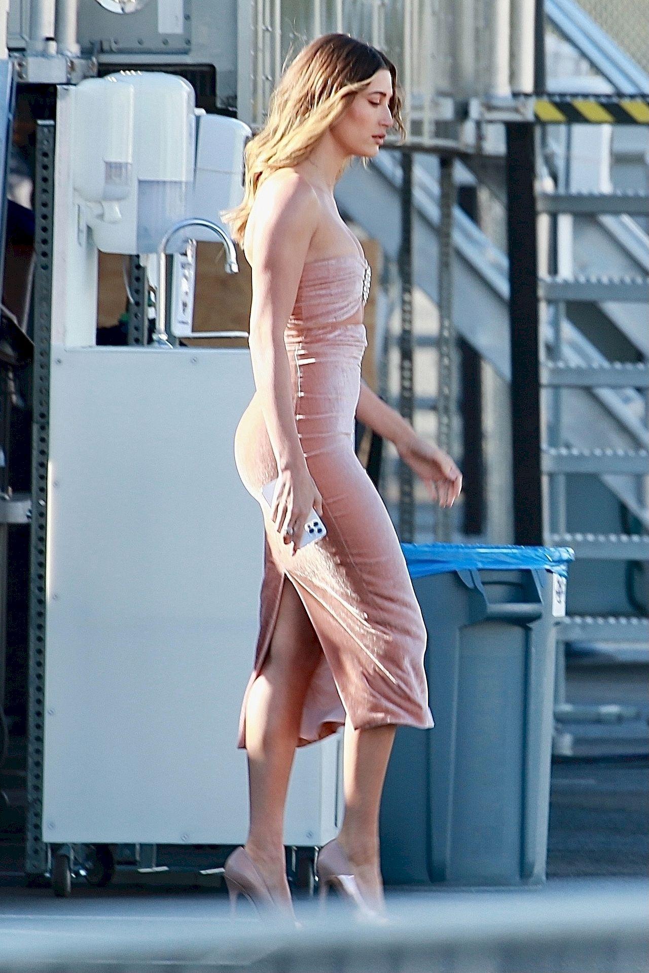Hailey Bieber ma świetną figurę