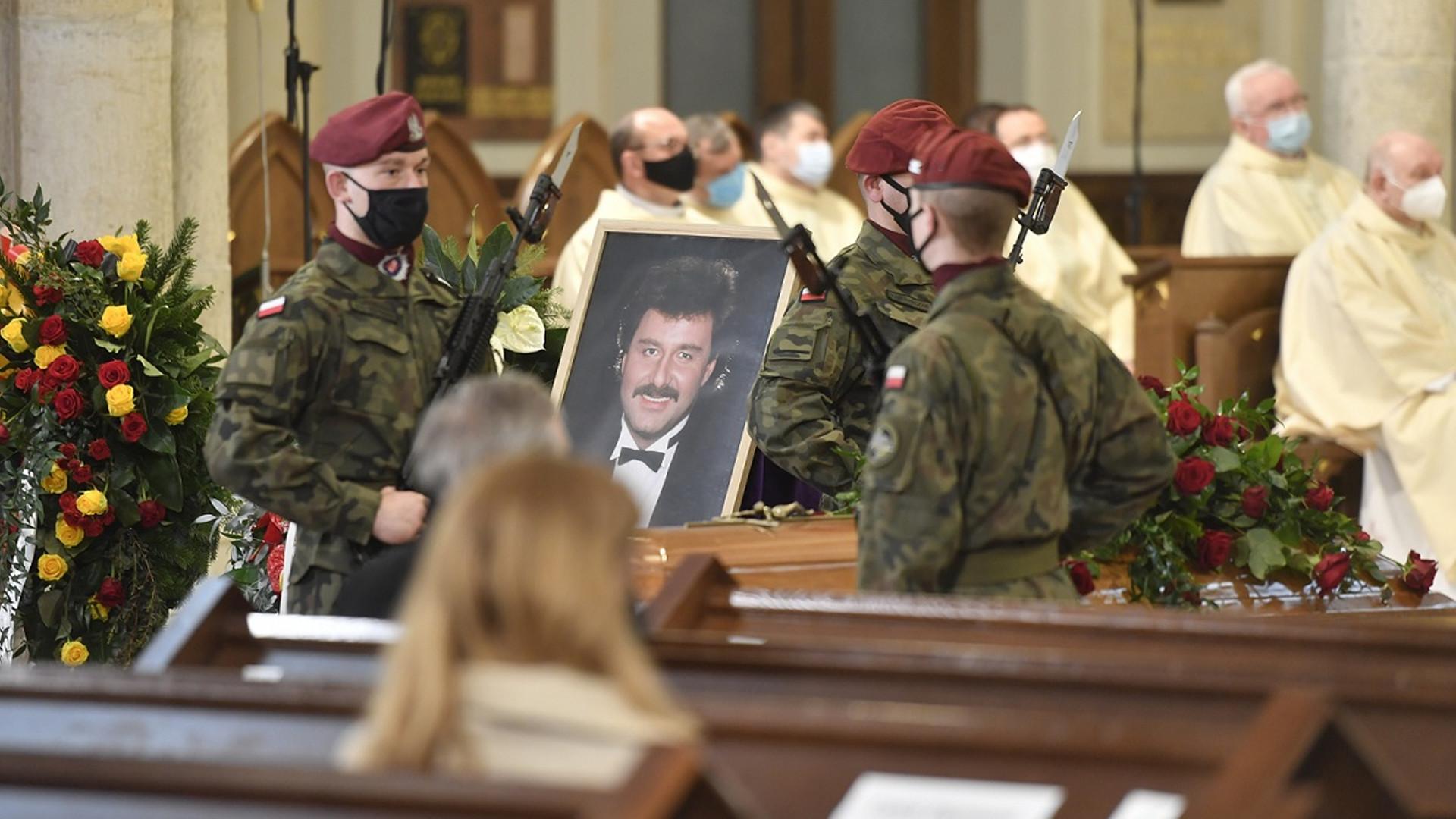 Pogrzeb Krzysztofa Krawczyka. Znane osoby oddały hołd legendzie