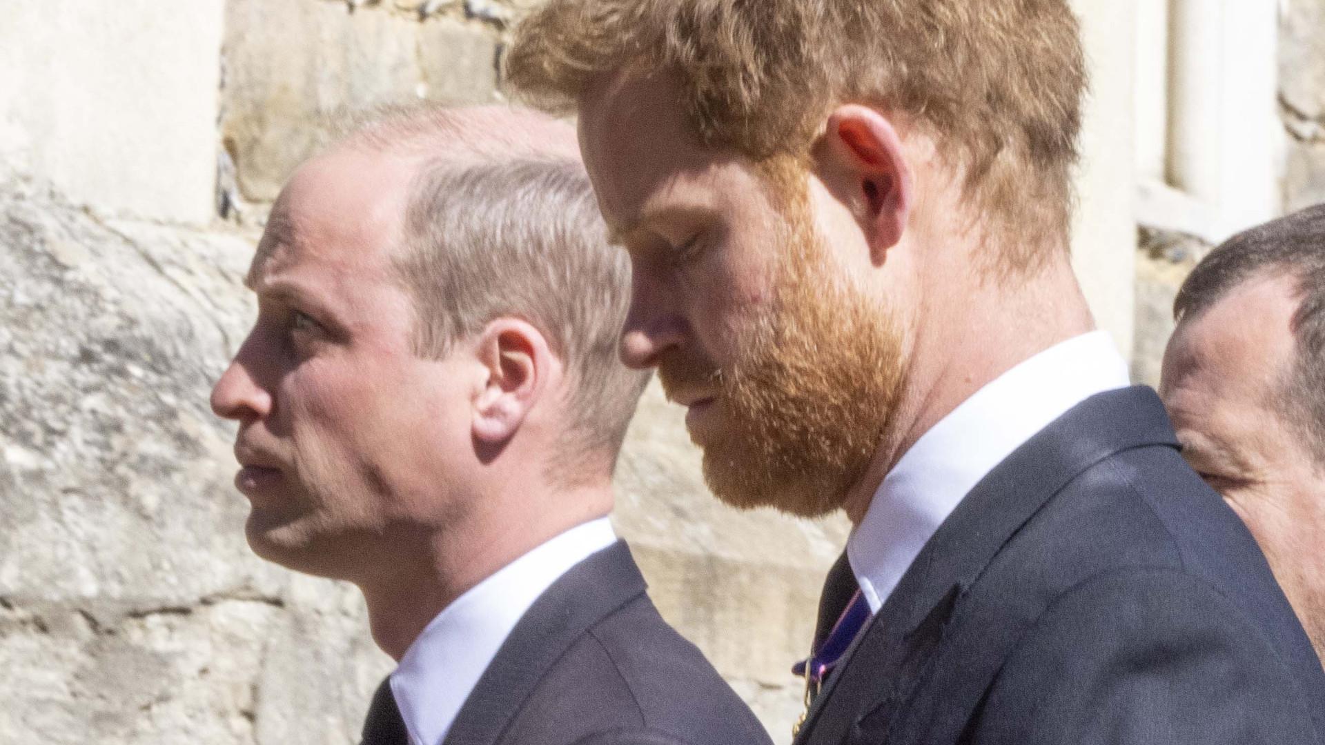 Już wiemy, o czym rozmawiali William i Harry po pogrzebie. Zdradza ekspert od ruchu warg