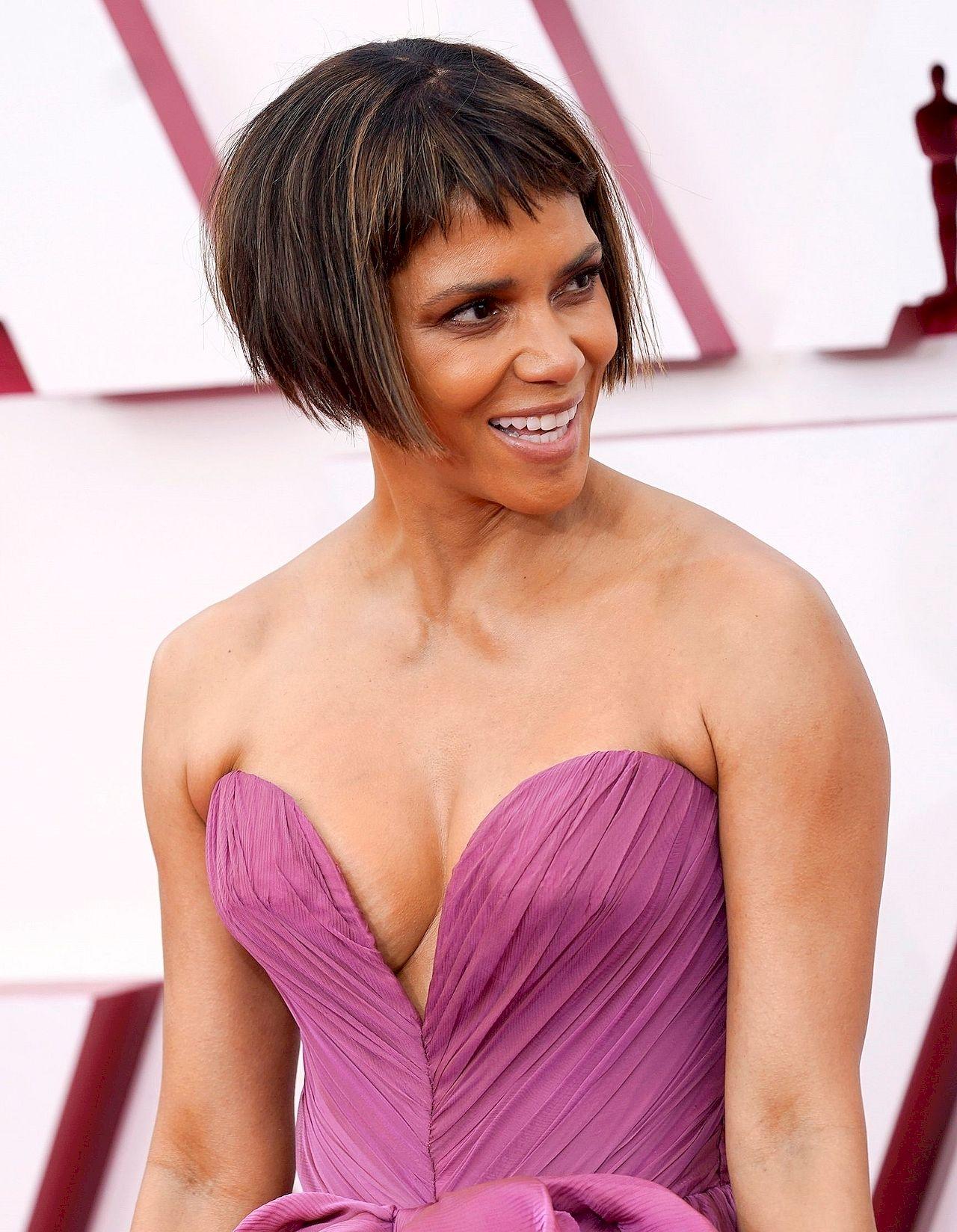 Halle Berry w nowej fryzurze na Oscarach