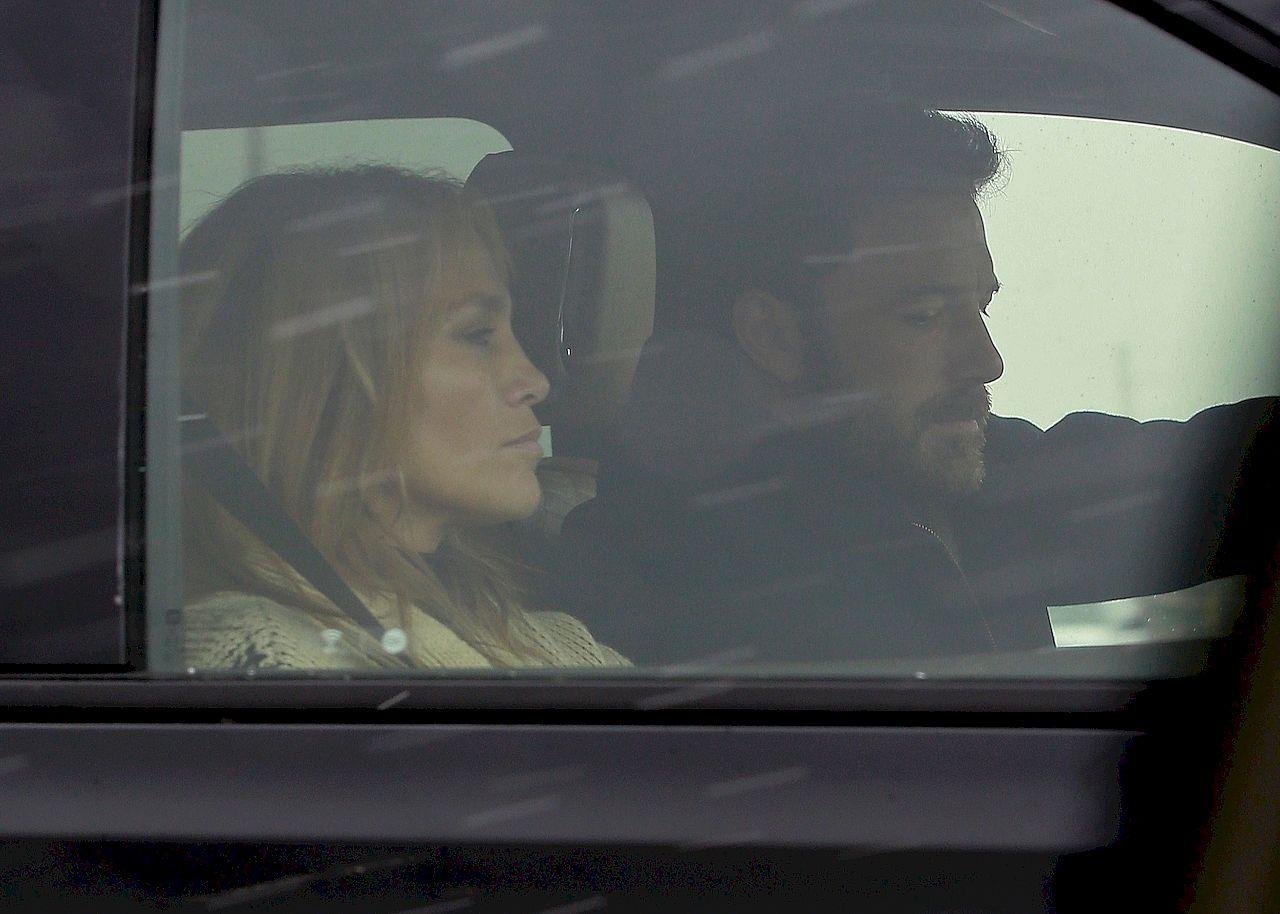 Jennifer Lopez i Ben Affleck w samochodzie