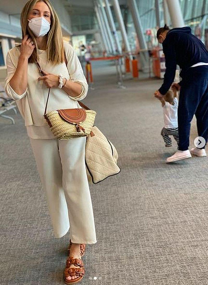 Małgorzata Rozenek na lotnisku