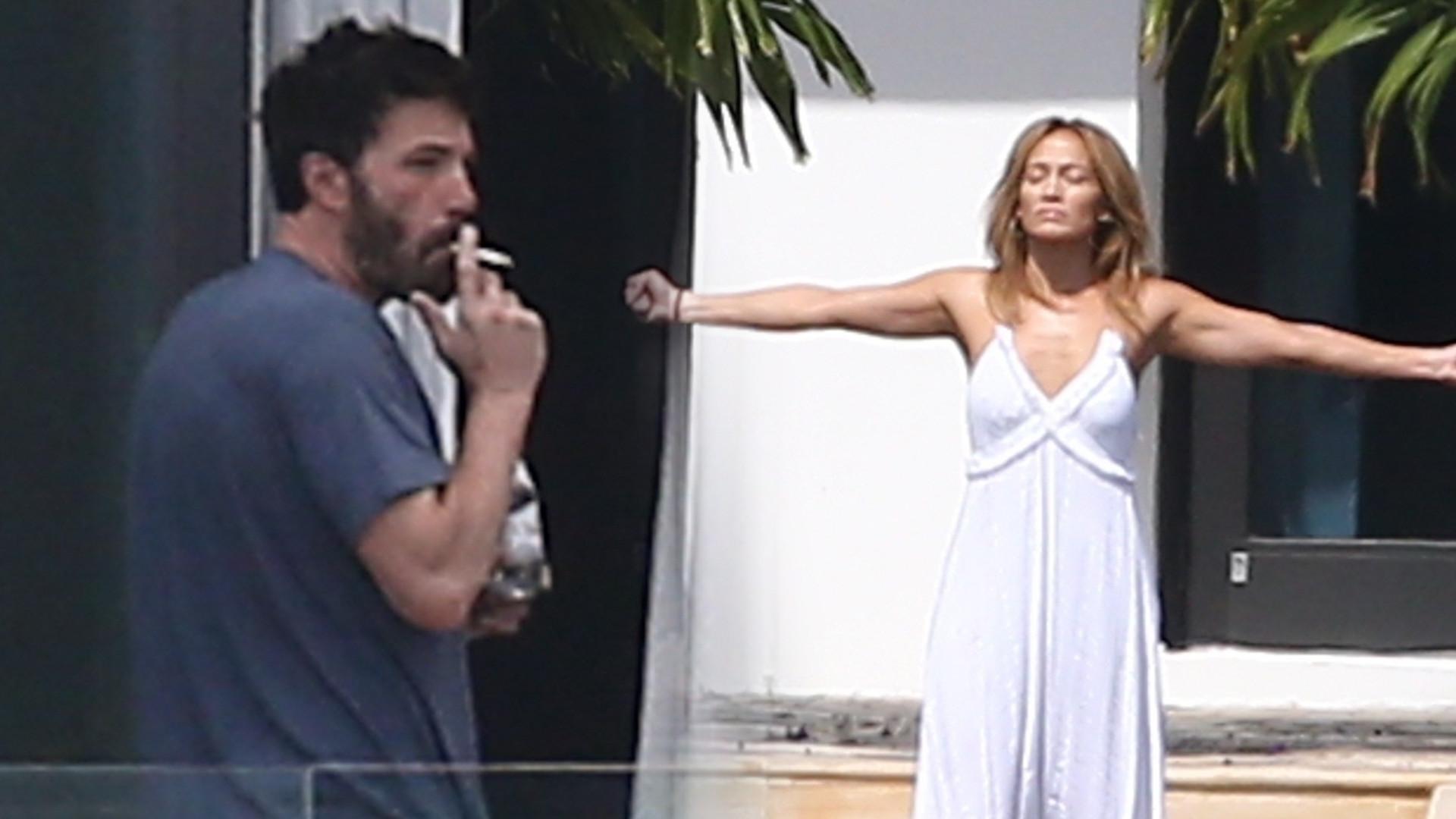 Jak oni się dogadują?! Zobaczcie, co rano robi Ben Affleck, a co Jennifer Lopez (ZDJĘCIA)