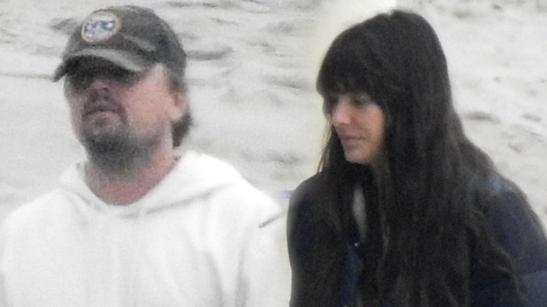 Leonardo DiCaprio z rodzicami i dziewczyną w Malibu (ZDJĘCIA)