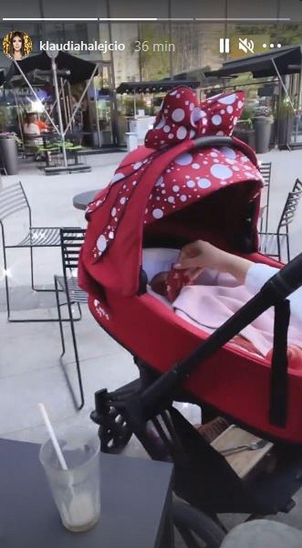 Klaudia Halejcio pokazała wózek dla córki