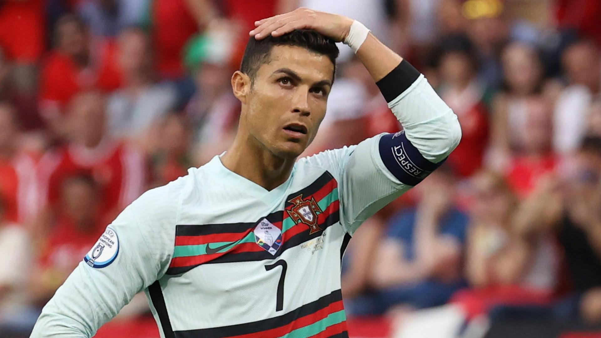 Nie uwierzysz ile Coca-Cola straciła na wartości po akcji z Ronaldo