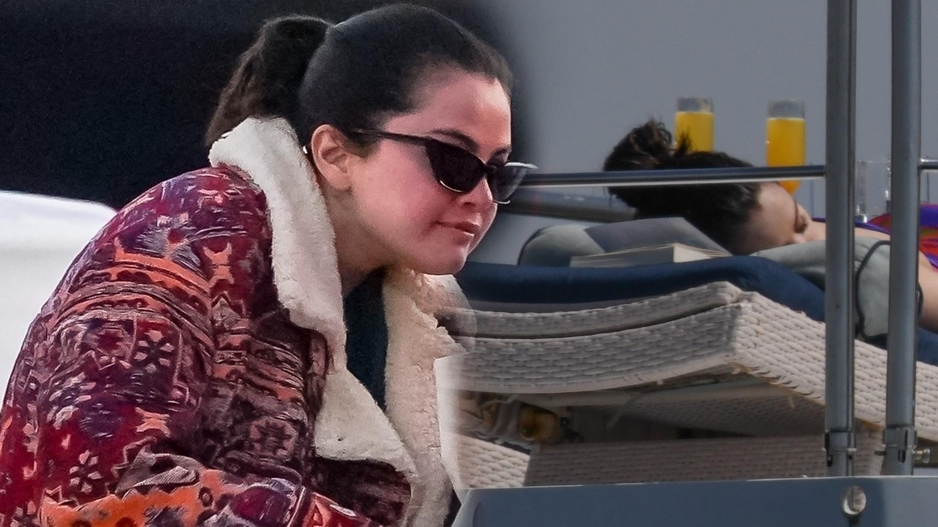 Selena Gomez opala się na jachcie. Spędza czas ze znajomymi i włoskim producentem (ZDJĘCIA)