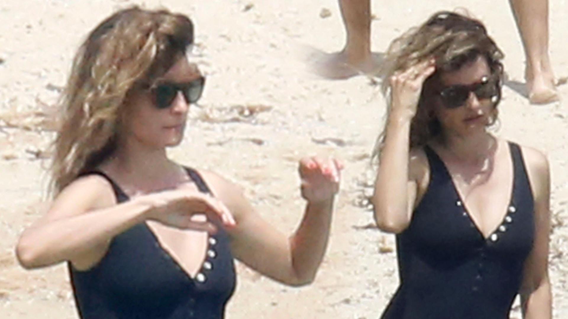 Penelope Cruz pluska się w morzu na wakacjach z mężem i dziećmi (ZDJĘCIA)