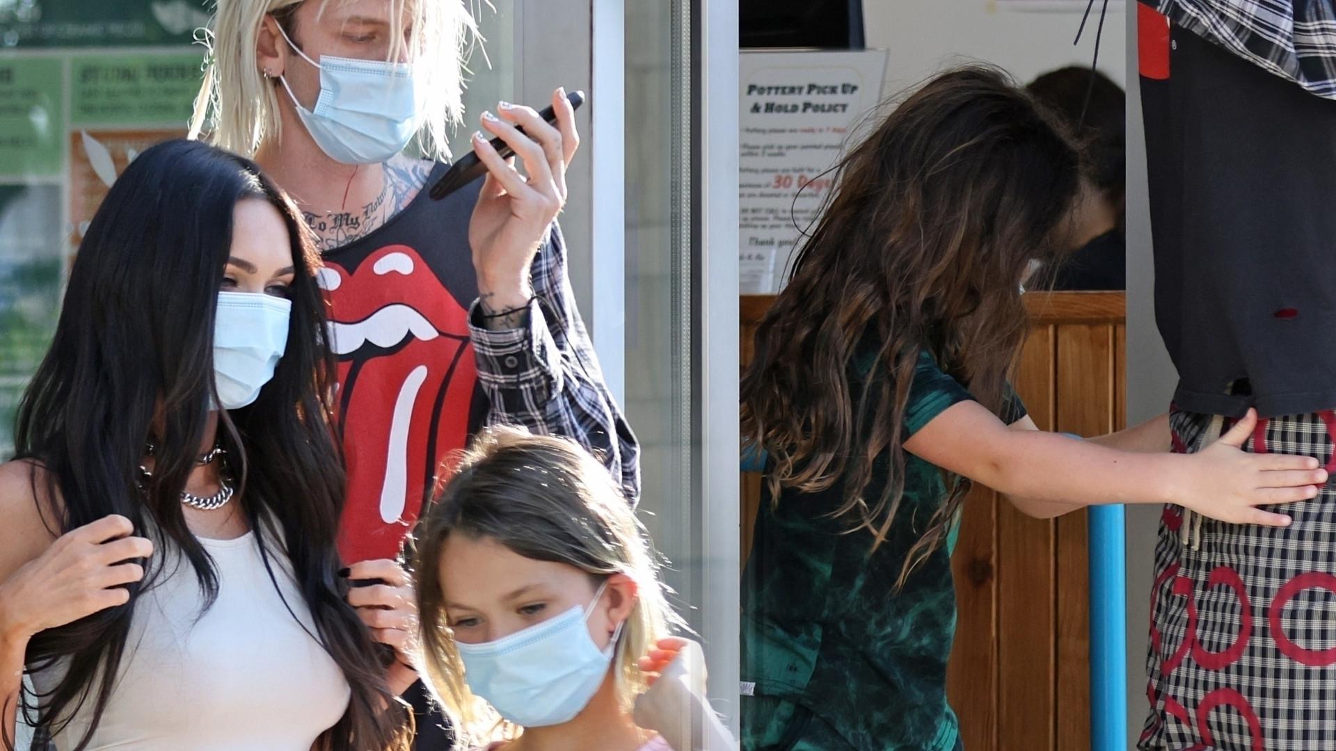 Machine Gun Kelly ma świetny kontakt z dziećmi Megan Fox (ZDJĘCIA)
