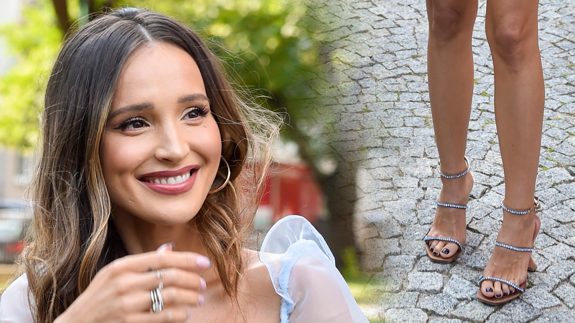 Marina Łuczenko-Szczęsna na ślubie Joanny i Antka. Wybrała niebieską MINI (ZDJĘCIA)