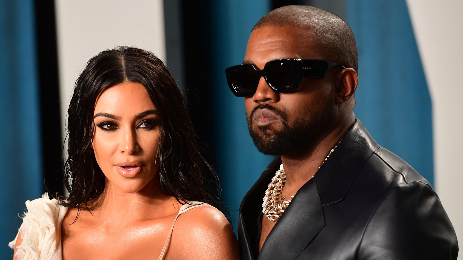 O co chodzi?! Kim Kardashian pojawiła się w sukni ŚLUBNEJ na evencie Kanye Westa