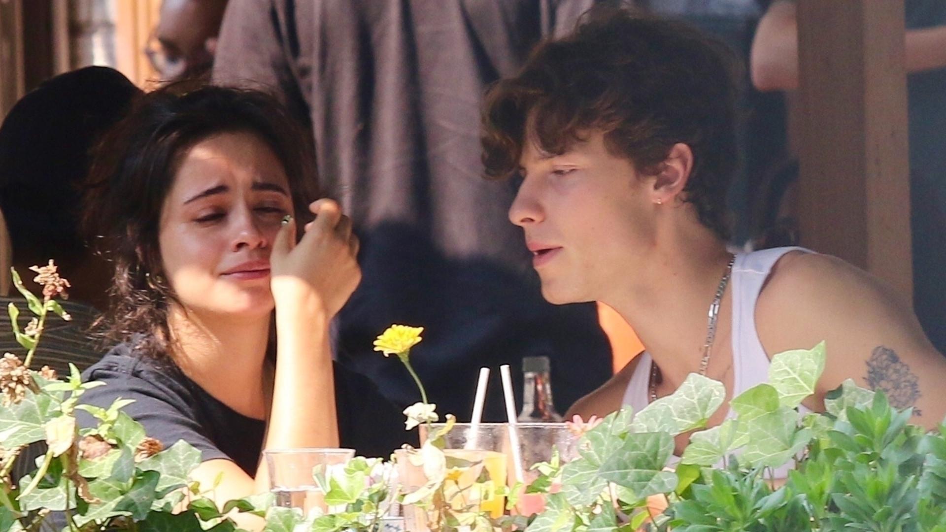 Camila Cabello ROZPŁAKAŁA się na randce z Shawnem Mendesem