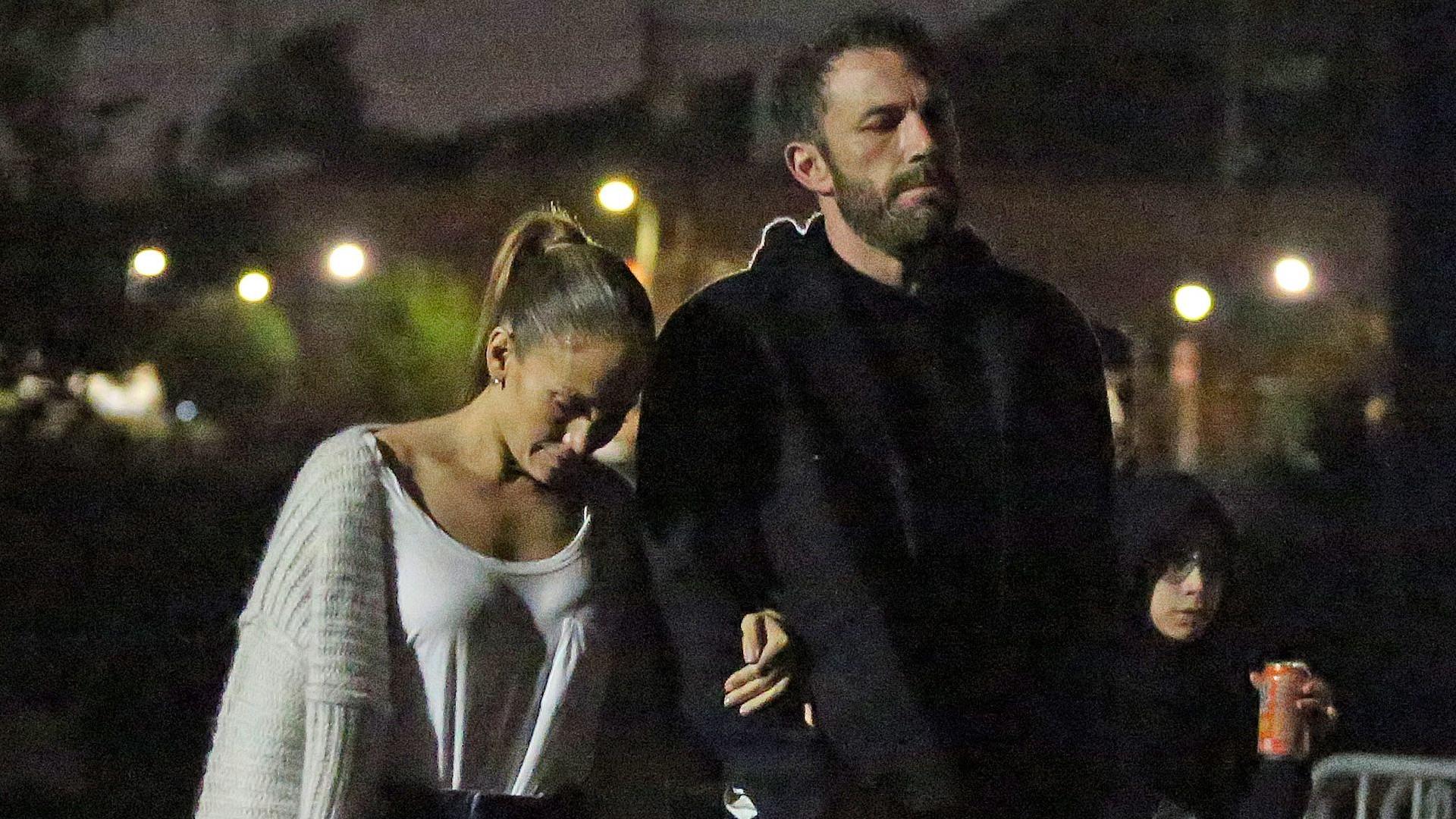 Jennifer Lopez i Ben Affleck zabrali dzieci do kina plenerowego (ZDJĘCIA)