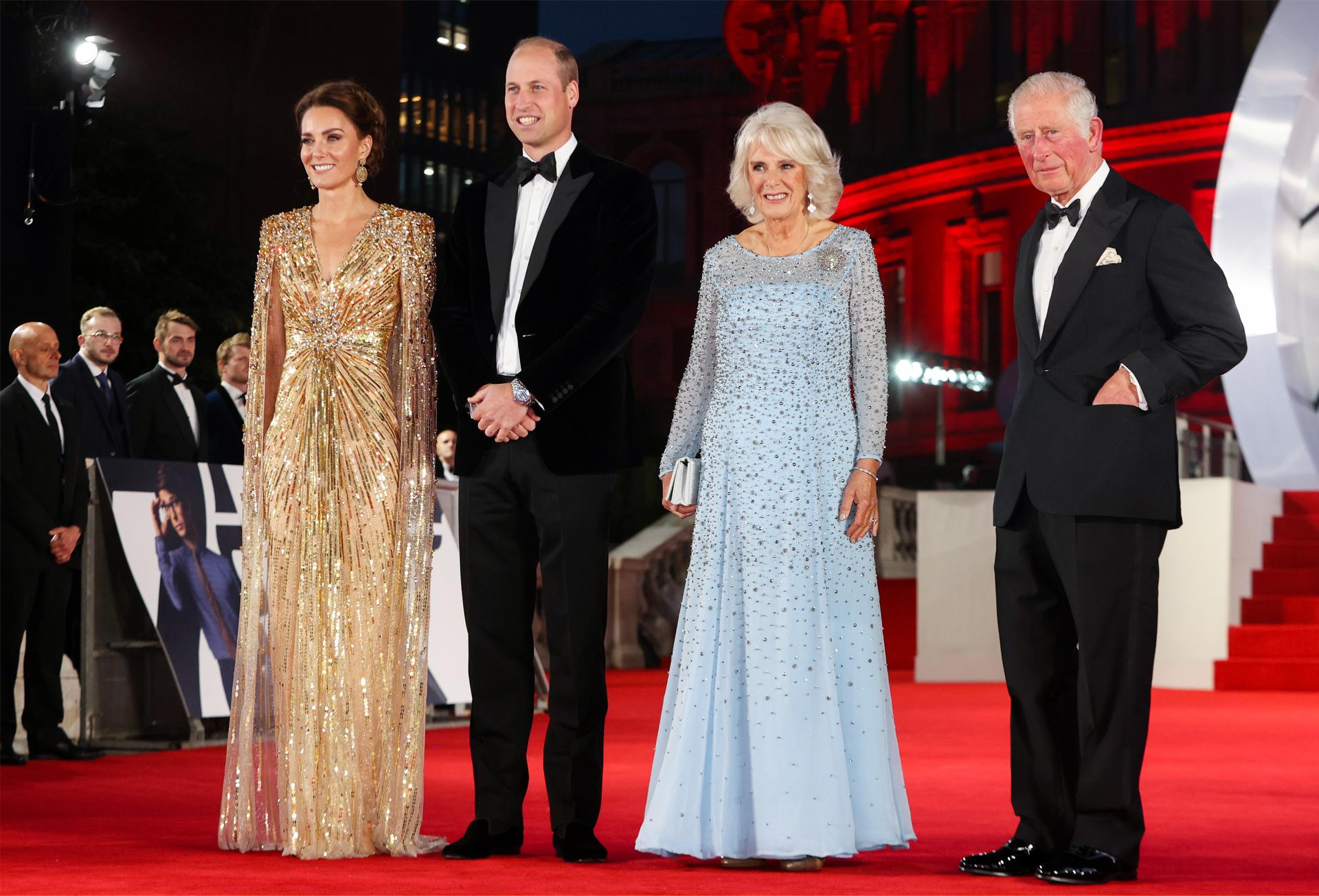 Rodzina królewska na premierze nowego filmu z Jamesem Bondem